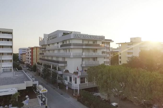 Vai ai video della sezione Hotel Ambassador