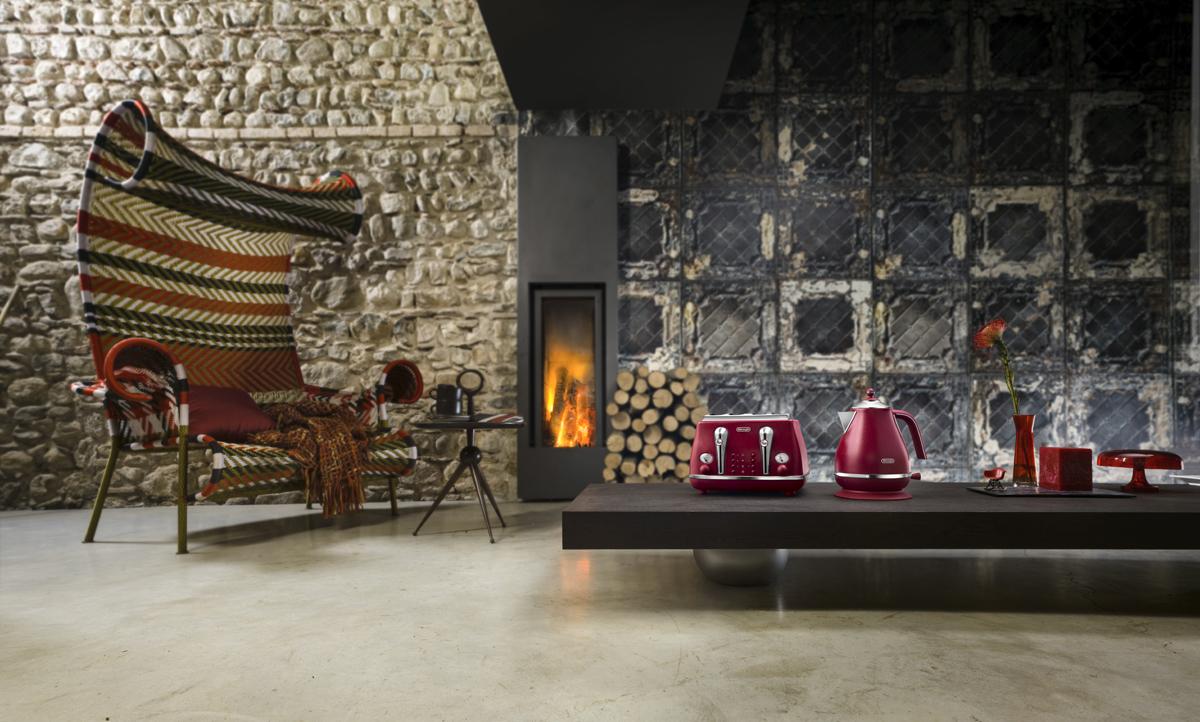 ©Varianti per DeLonghi Icona Elements: ambientazione e scatti per la collezione Red ispirata all'elemento Fuoco.