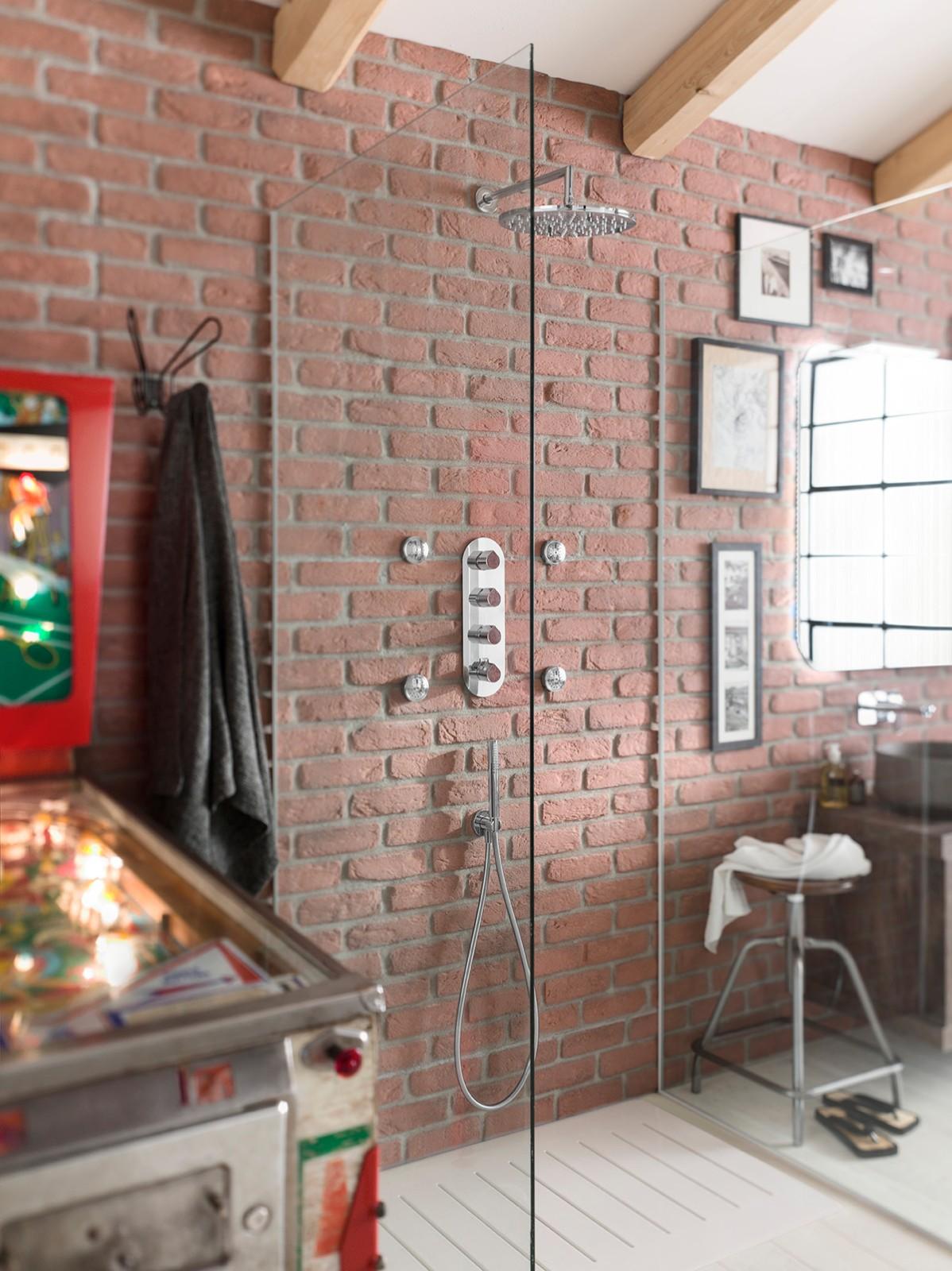 ©Varianti per Nobili Rubinetterie - catalogo Dress - dettaglio doccia
